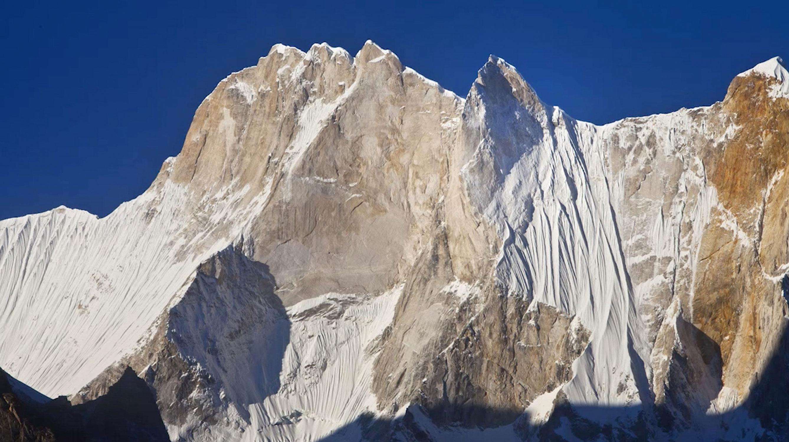 映画「MERU(メルー)」の山ってどこにあるの?インド北部、ヒマラヤ山脈の一部になるとの事。
