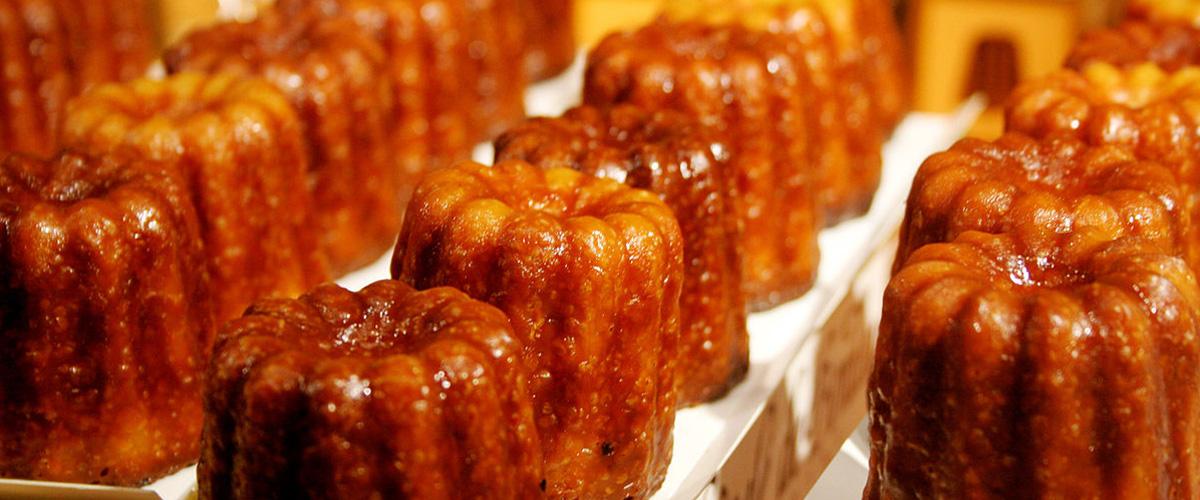 「カヌレ」とは何?またどういう意味?フランス語で「Canelé」と記述する洋菓子との事。