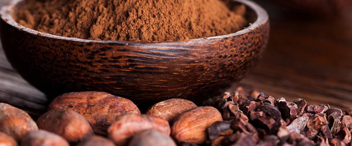 「カカオニブ」とはどういうもの?英語で「cacao nibs」と記述するとの事。