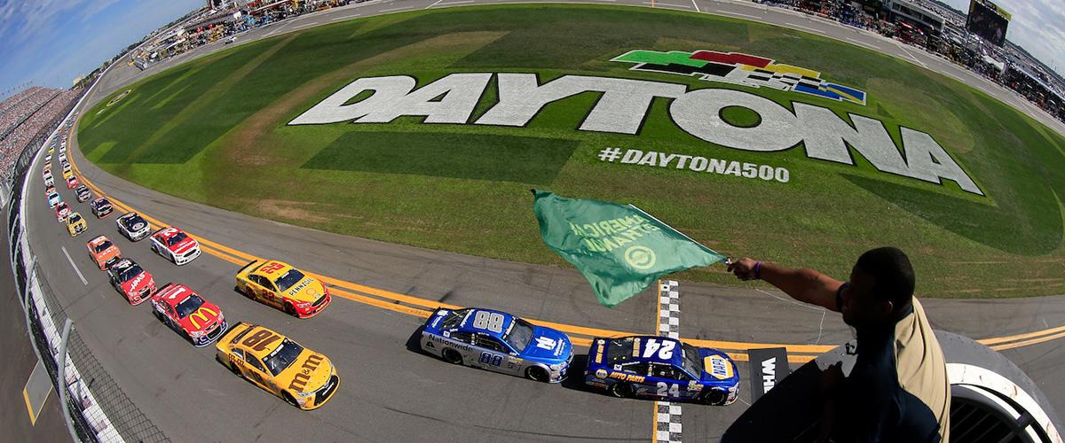 そもそも「デイトナ」とはどういう意味?英語で「Daytona」と記述するとの事。