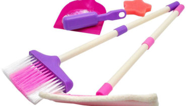 「トイブルーム」とはどういう意味?アルファベットで「toy broom」と記述するとの事。